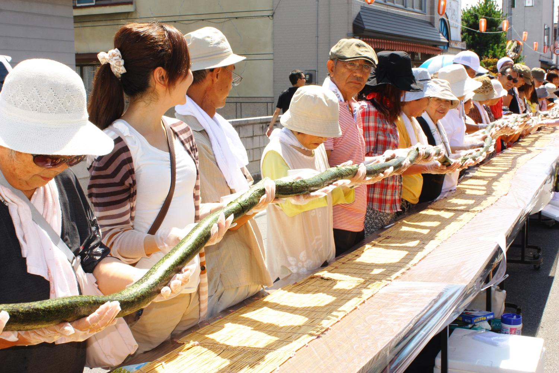 全長216m的巨大壽司捲