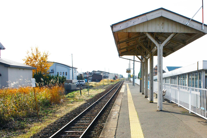 陸奧鶴田車站